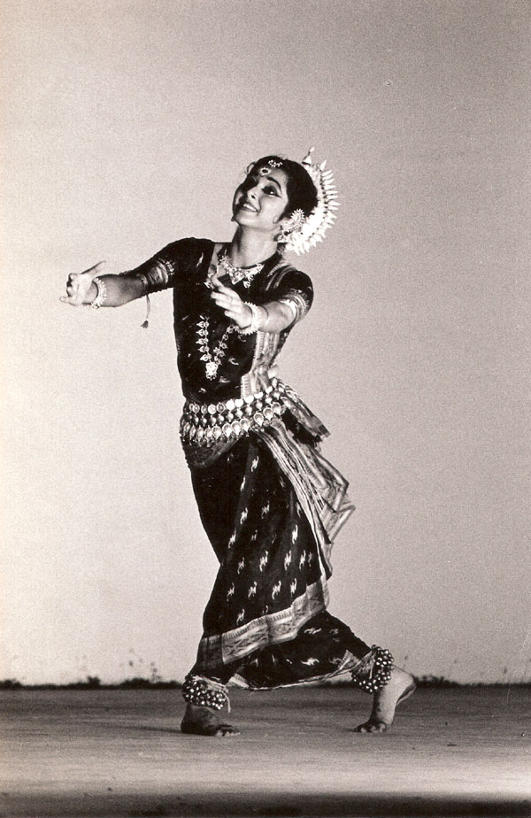 Sharmila_Biswas,_Odissi_dancer